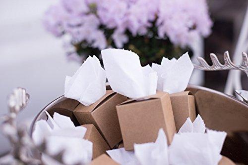 Kleine Boxen aus Kraftpapier mit Loch im Deckel