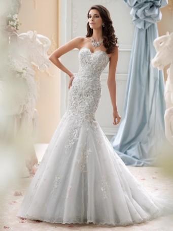 David tutera brautmodekollektion hochzeit planen mit for Hand beaded wedding dresses