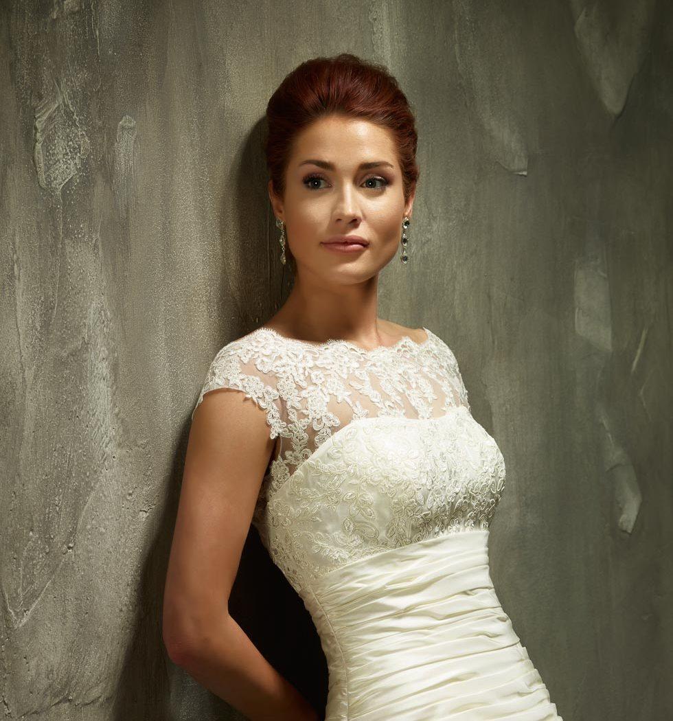 Brautkleidkollektion von Lisa Donetti bei www.weddingstyle.de