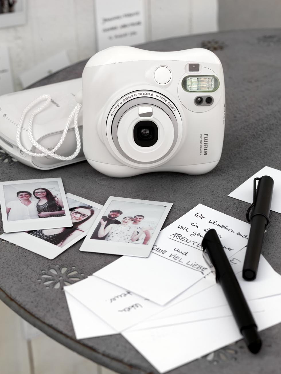 Sofortbildkamera instax 8 mini von Fujifilm