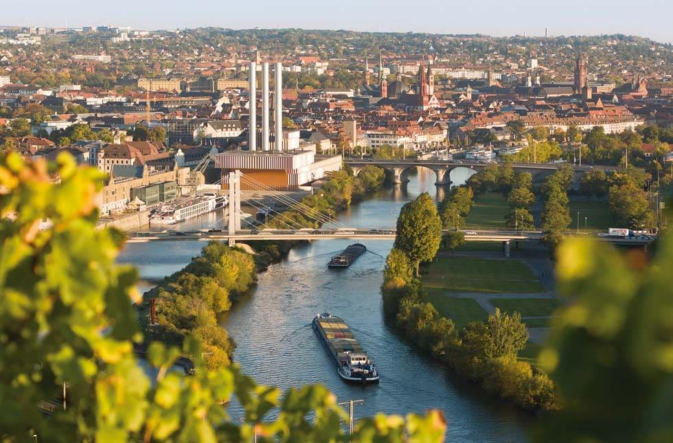 Blick auf Würzburg und den Main