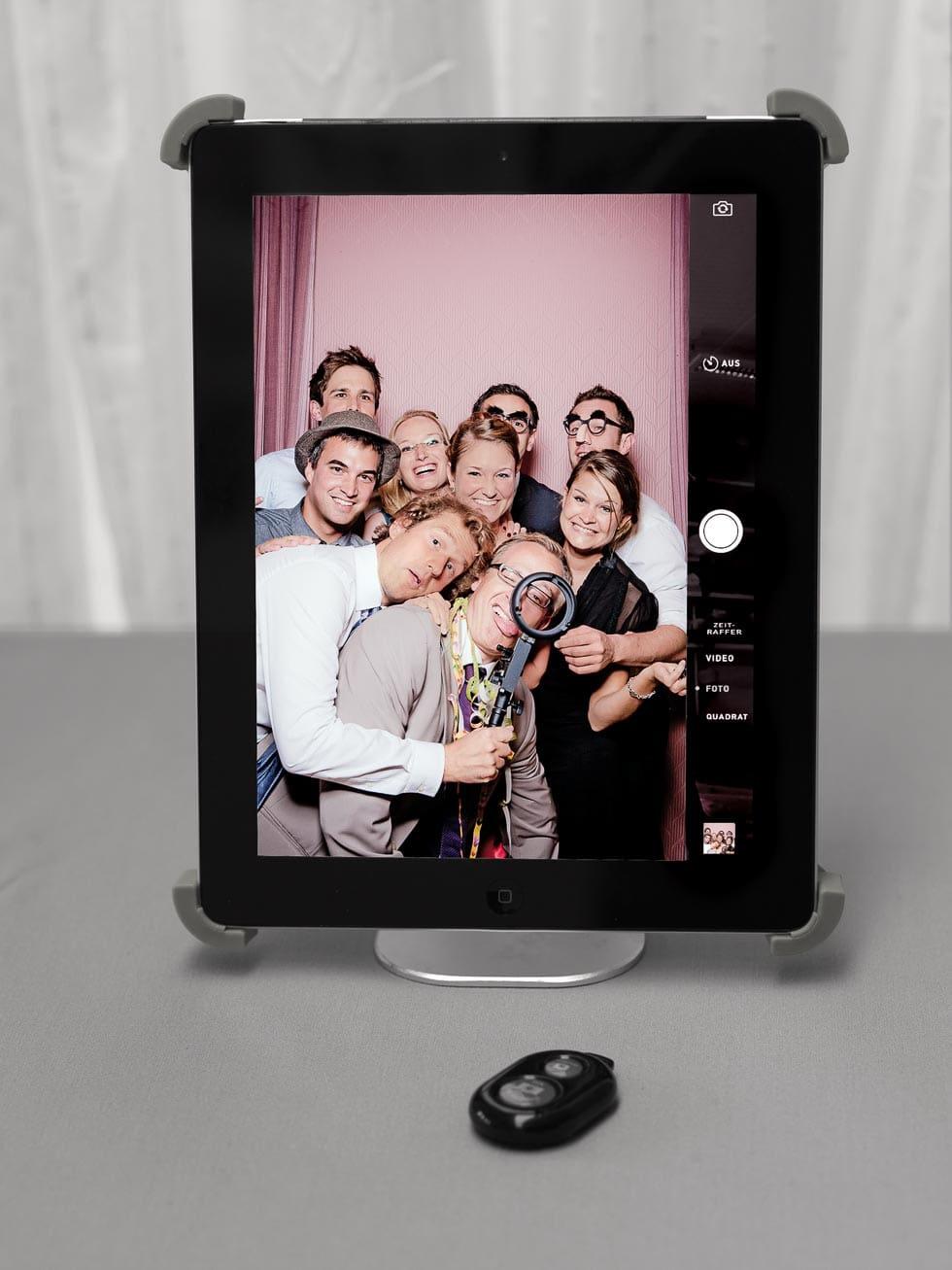 Photobooth hochzeit diy so gehts ganz einfach hochzeit planen ipad photobooth einfacher geht es nicht photobooth hochzeit diy solutioingenieria Choice Image