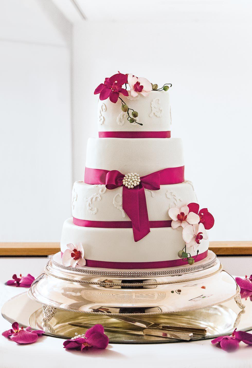 Hochzeitstorte Mit Pink