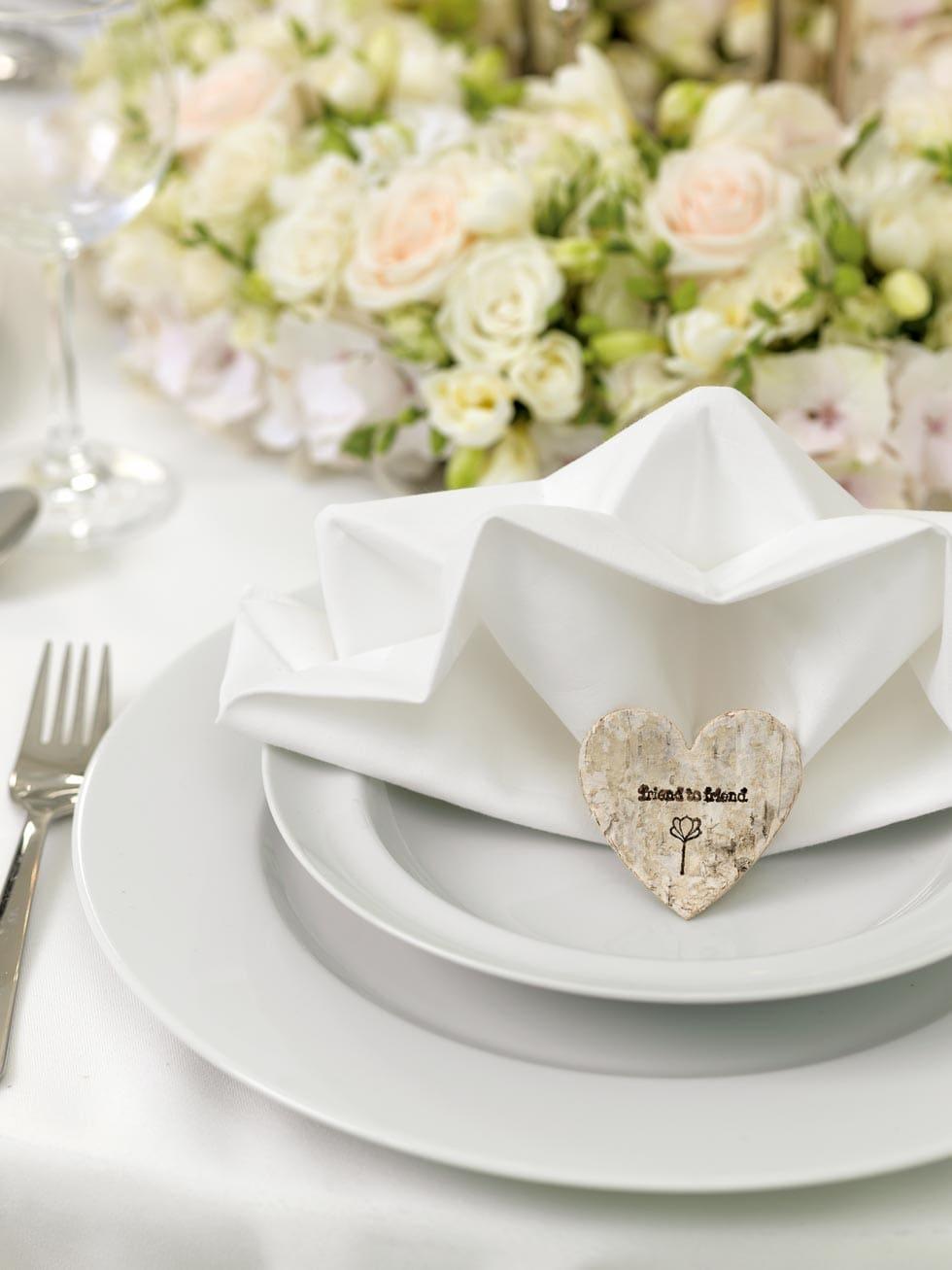 Ein Wahres Blütenmeer Blumenkranz Diy Für Die Tischdeko