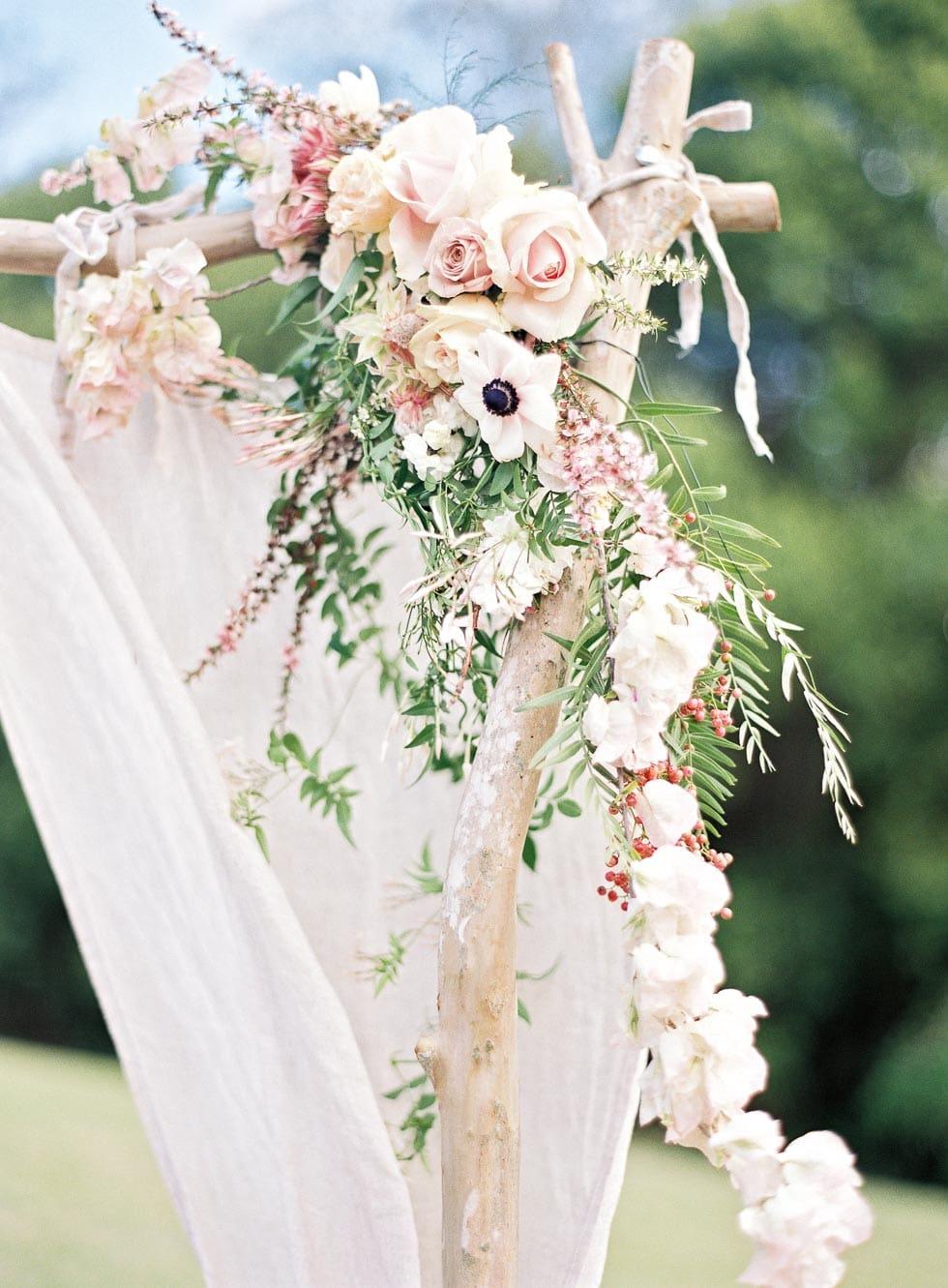 Freie Trauung Traubogen Blumen