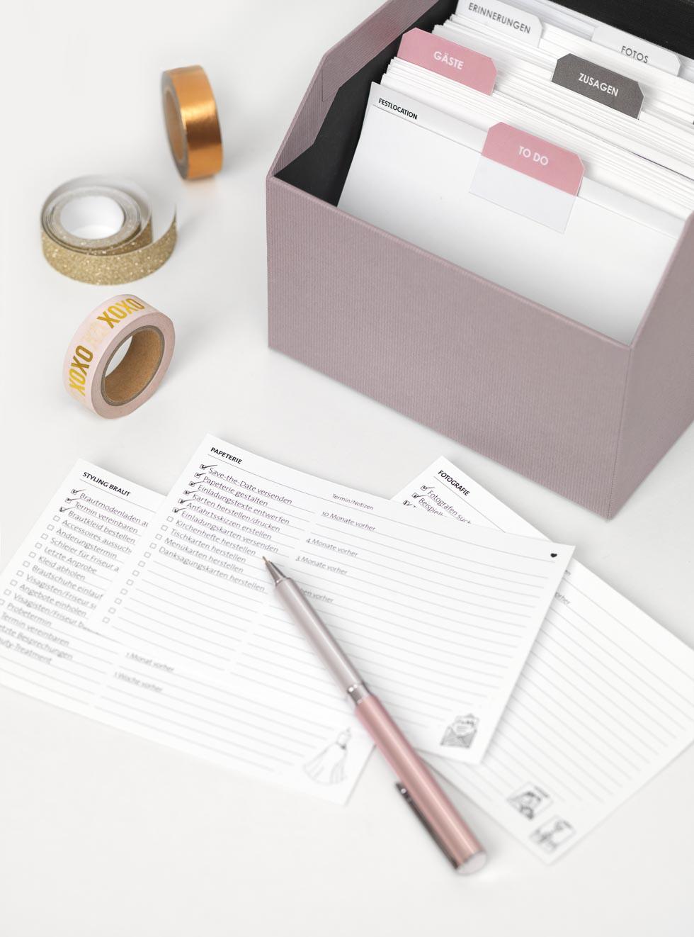 Hochzeitsordner und Checklisten für die Hochzeitsplanung