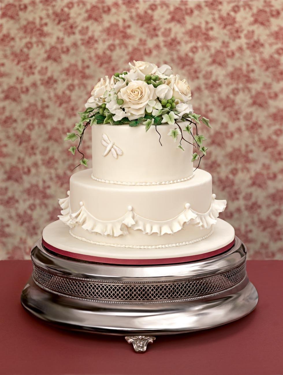 Hochzeitstorte Dekorieren Rosen Und Wicken Aus Fondant
