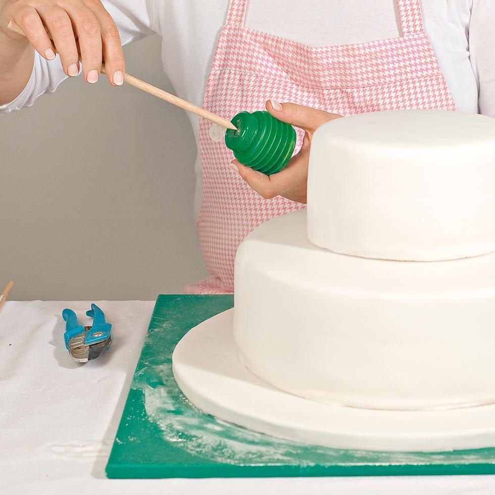 Anleitung Mehrstockige Hochzeitstorte Ubereinander Stapeln