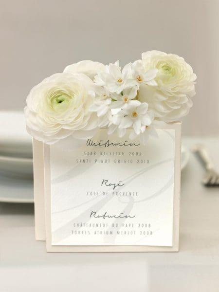 Menükarte Hochzeit in Weiß