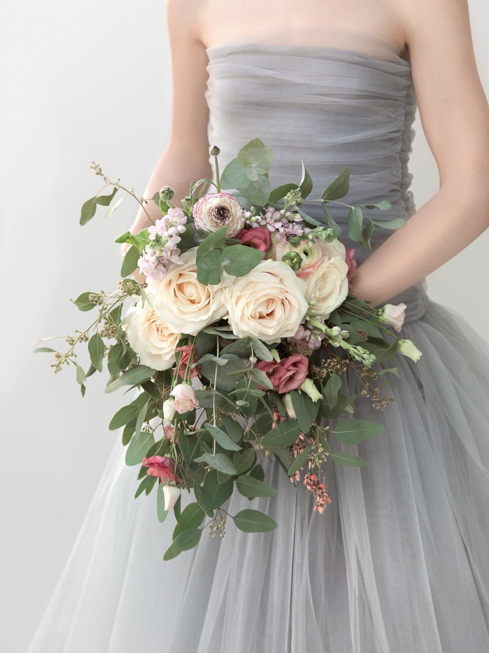 Brautstrauß Rot, Flieder und Weiß