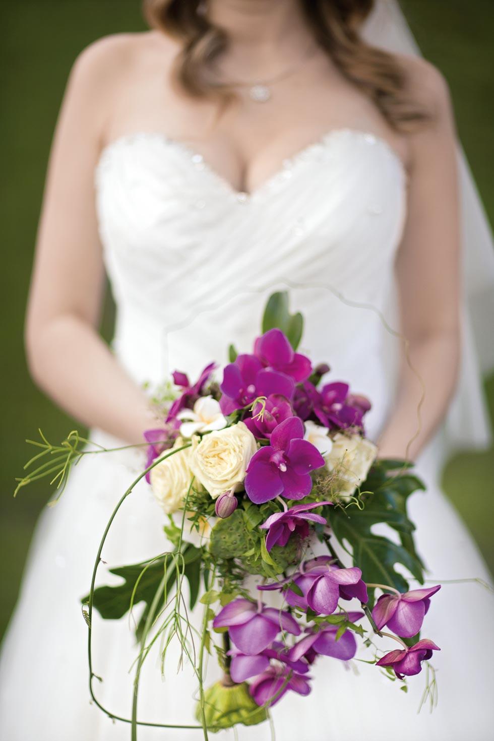 Brautstrauß Lila und Creme