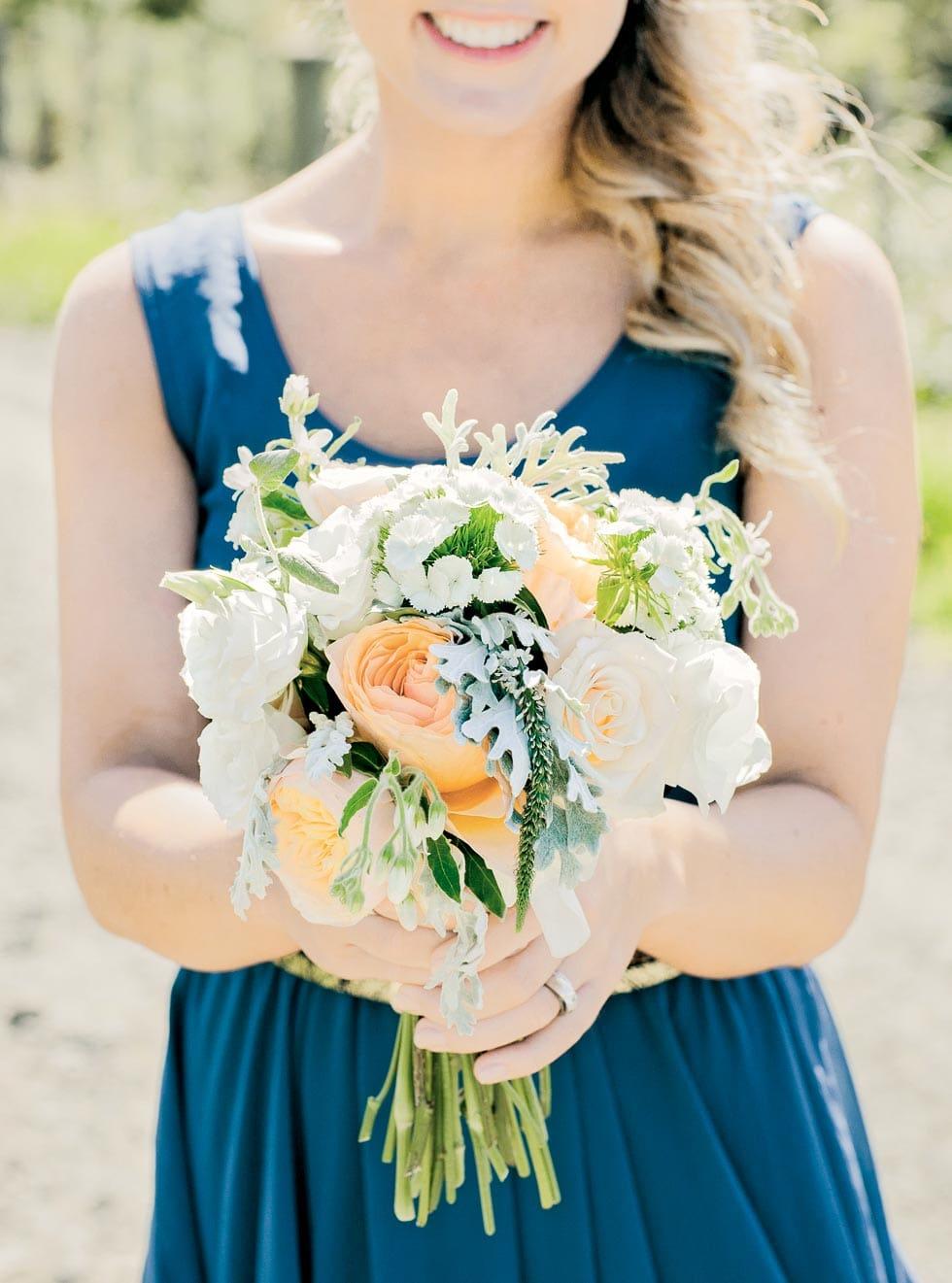 Brautstrauß Pfirsich und Weiß