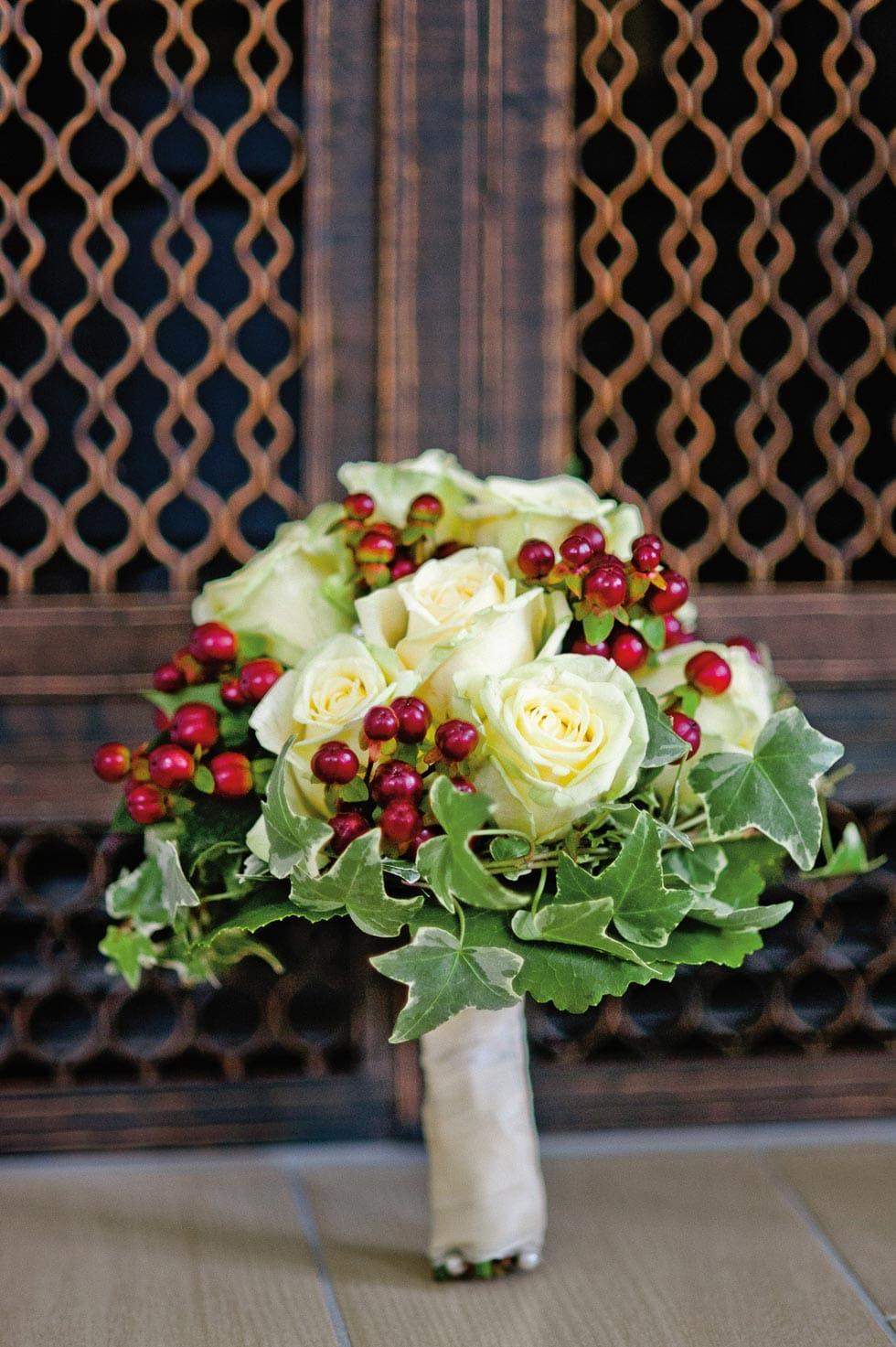 Brautstrauß Weiß und Rot