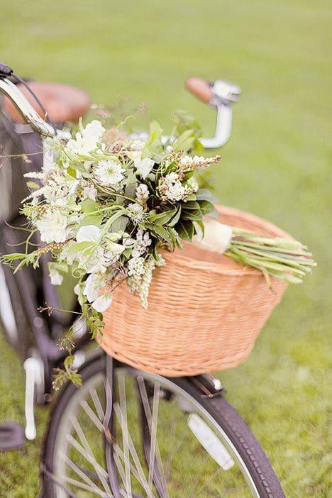 Brautstrauß Braun, Weiß und Grün