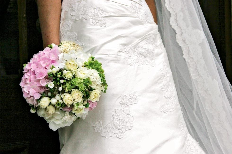 Brautstrauß Creme und rRosa