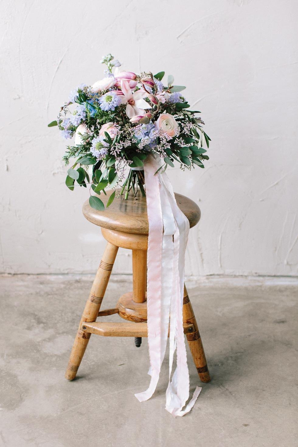 Brautstrauß Lila, Blau und Rosa