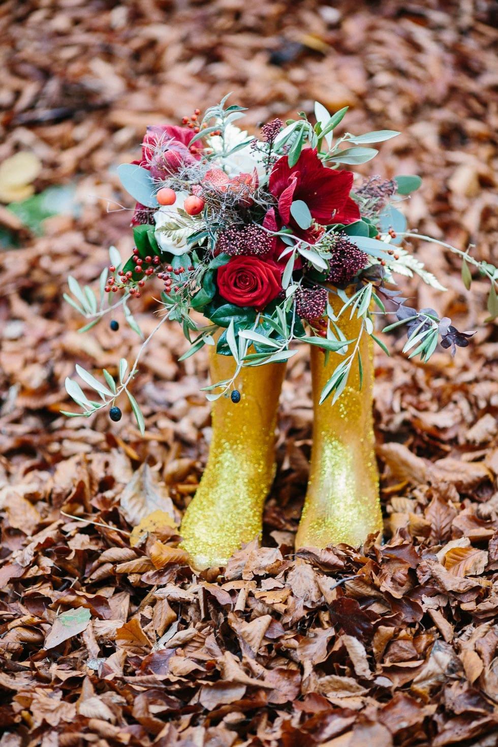 Brautstrauß Rot, Violet und Grün