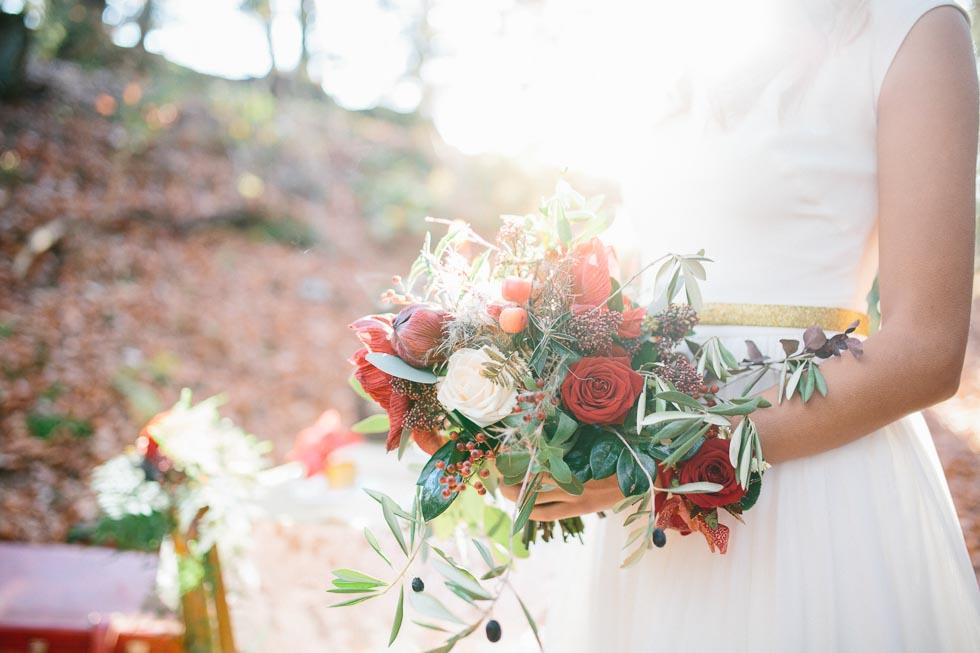 Brautstrauß Grün, Rot und Weiß
