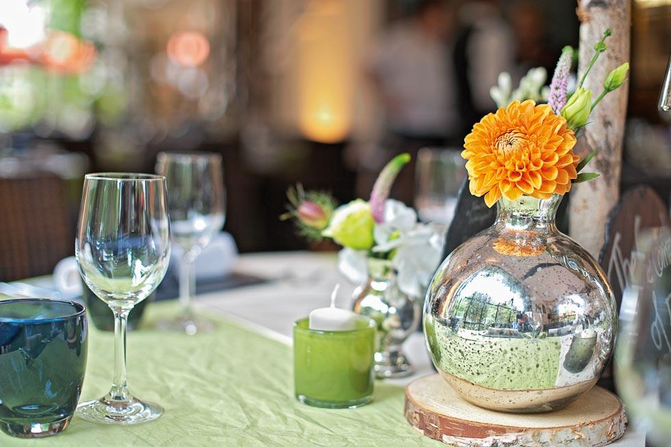 Tischdekoration Orange Grun Und Silber