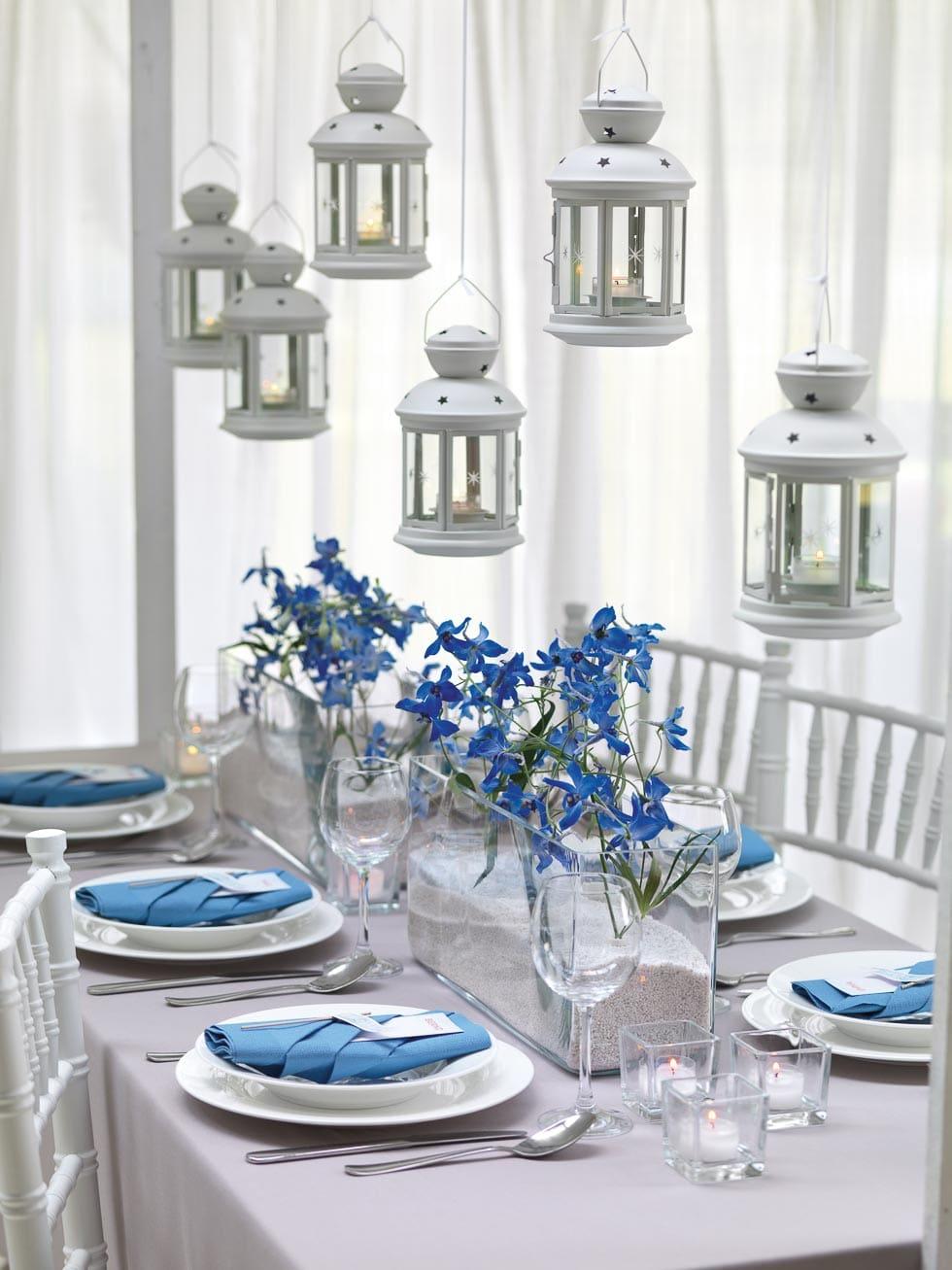 Tischdekoration Blau und Weiß