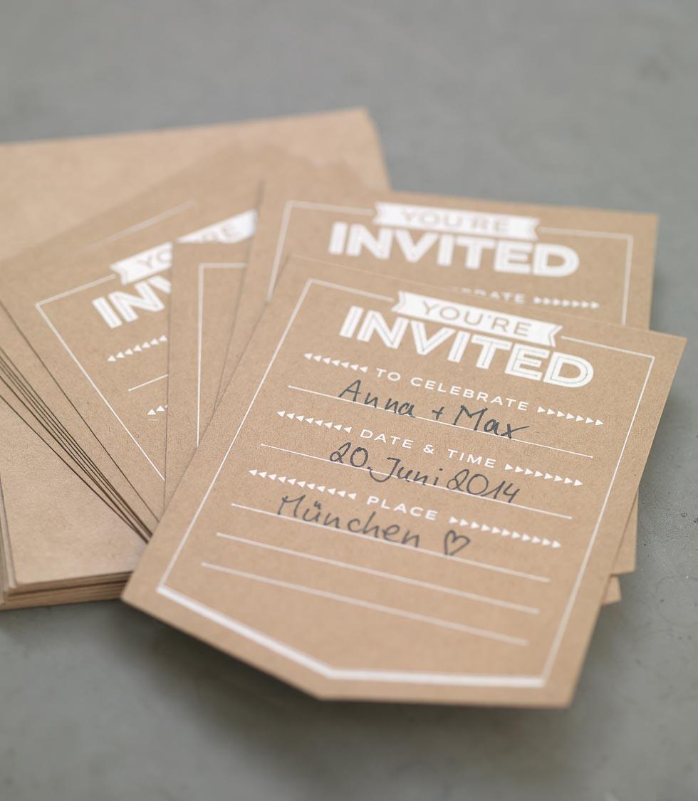 Save-the-Date Hochzeit Kraftpapier Braun und Weiß