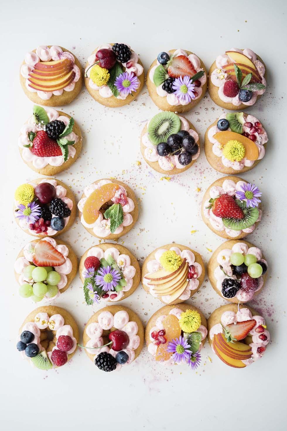 Alternative To Fruit Wedding Cake