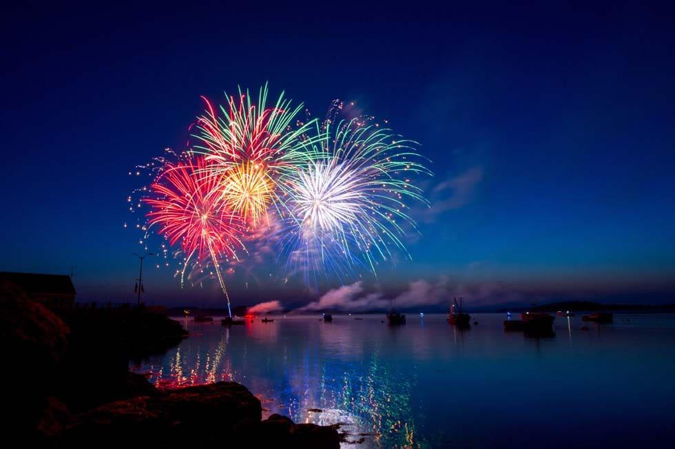 Feuerwerk Hochzeit am See