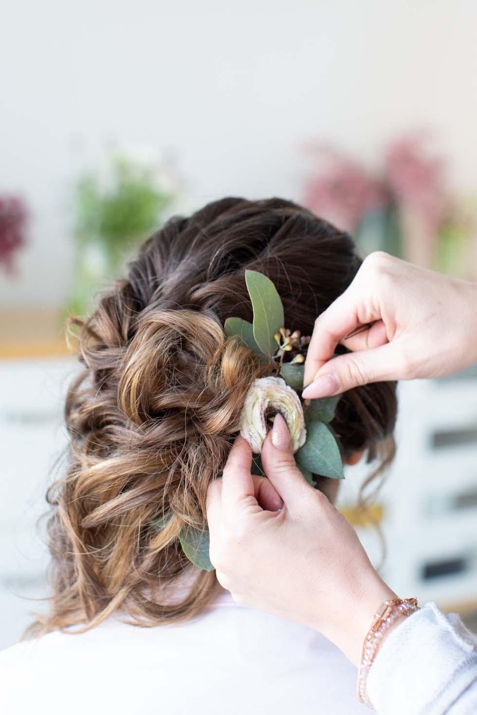 Brautfrisur Blumen selber machen