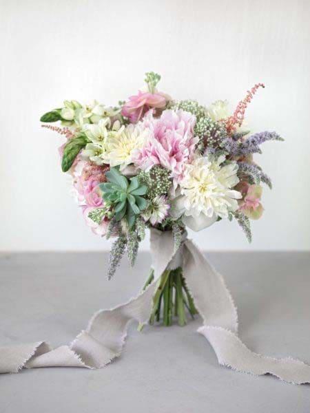 Brautstrauß Rosa, Flieder und Weiß