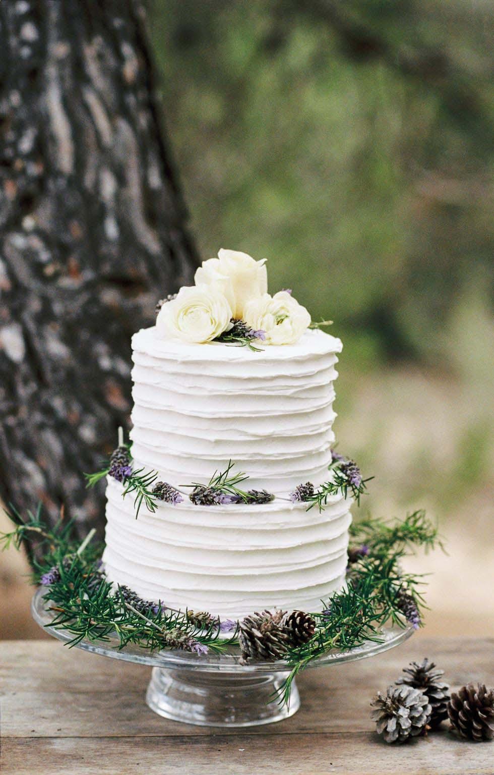 Hochzeitstorte Wellendecor