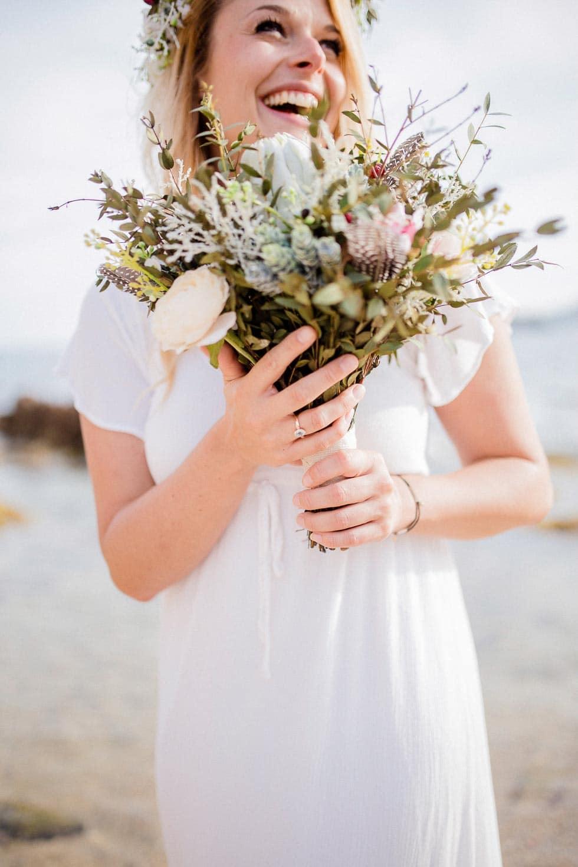 Blumenstrauß Verlobungsshooting