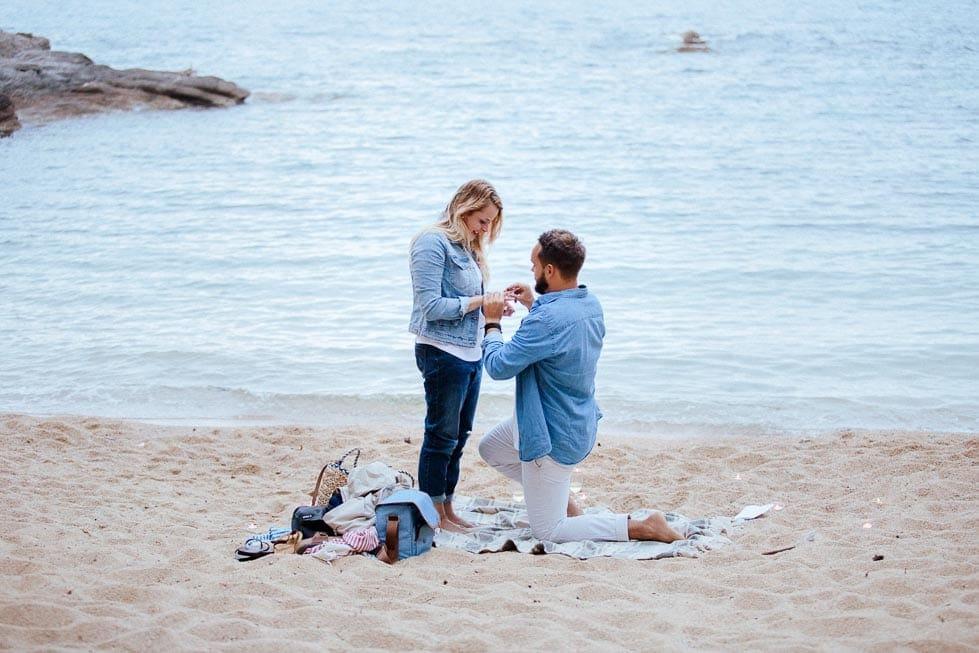 Heiratsantrag am Meer