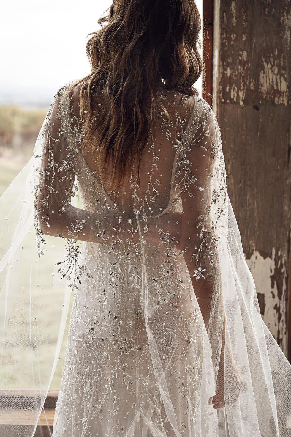 Brautkleid mit Schleppe Anna Campbell