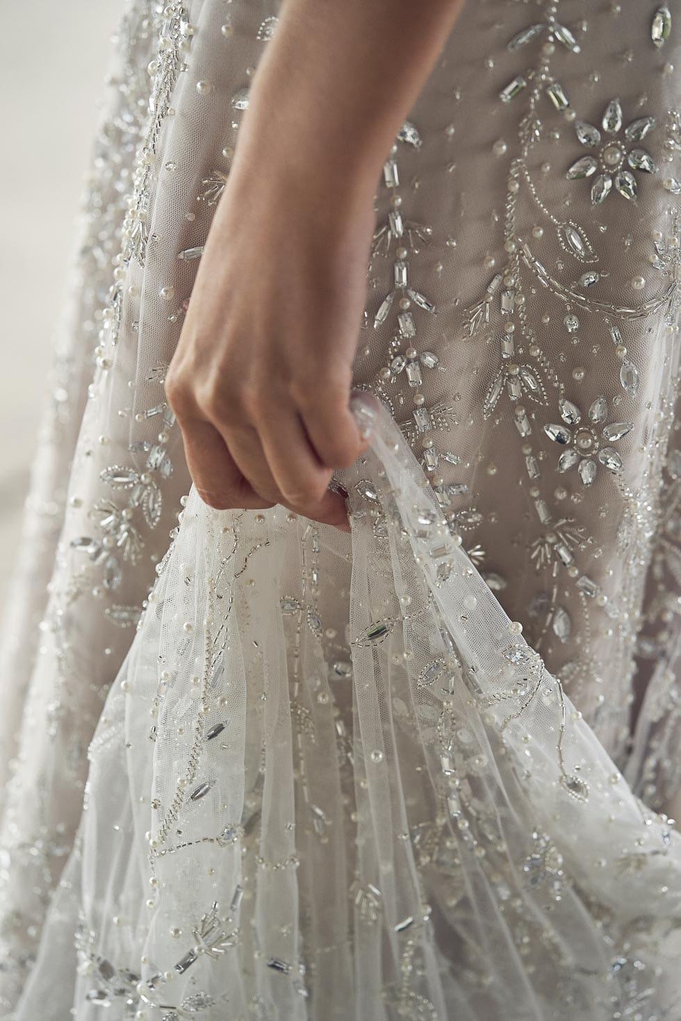 Brautkleid mit Perlen Anna Campbell