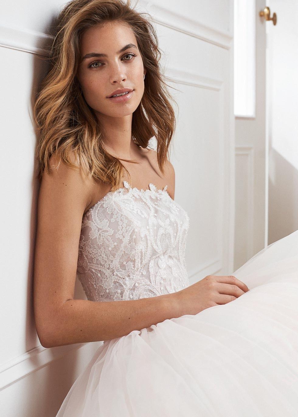 Brautkleid mit Spitze Luna Novias