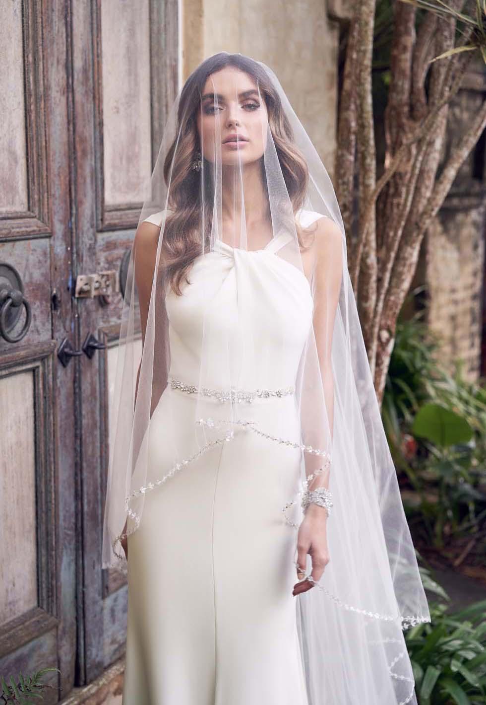 Brautkleid-Farbe Eierschale Anna Campbell