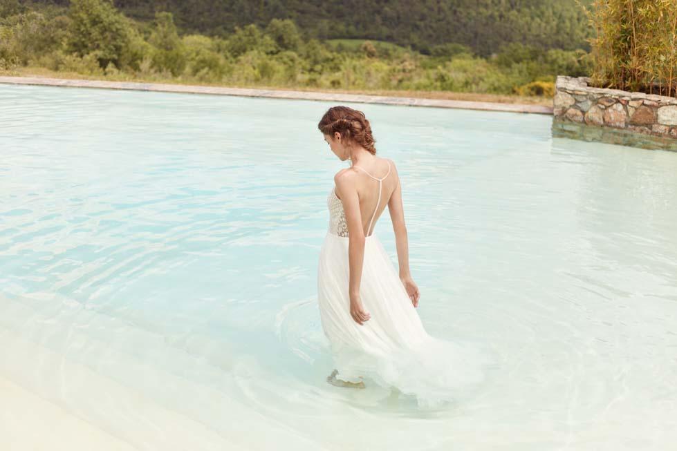Rückenfreies Brautkleid von Anna Kara