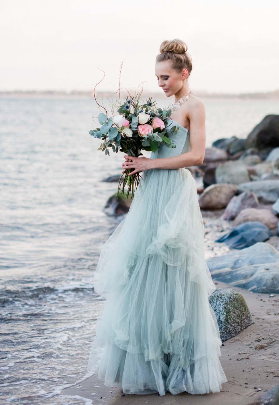 Brautkleid-Farbe Blau