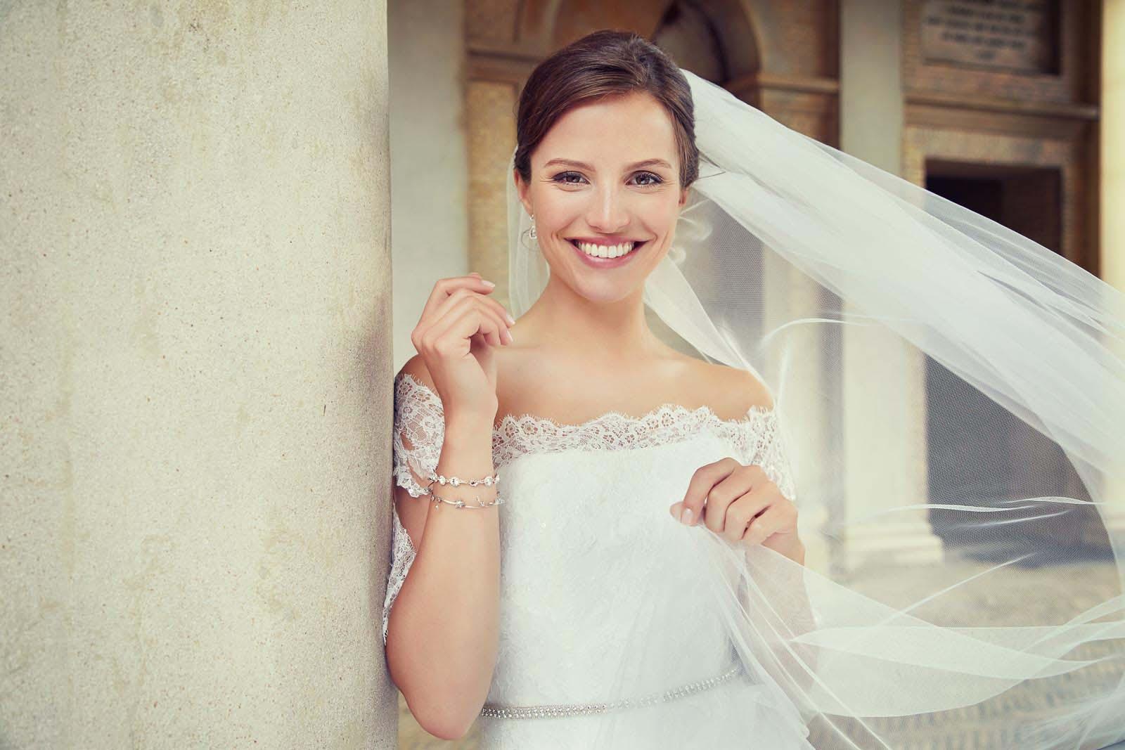 Brautkleid Carmenausschnitt Lilly