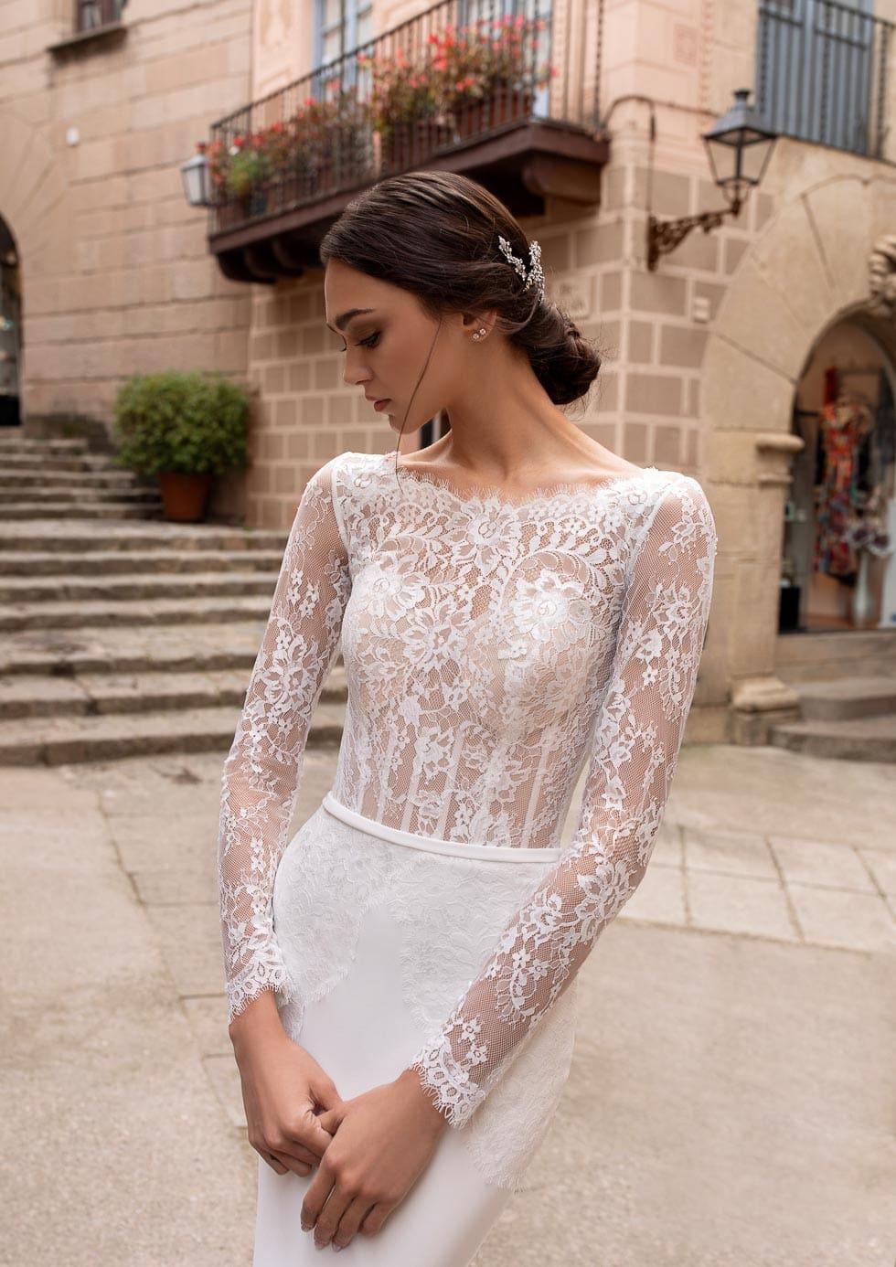 Brautkleid mit Spitze Pronovias