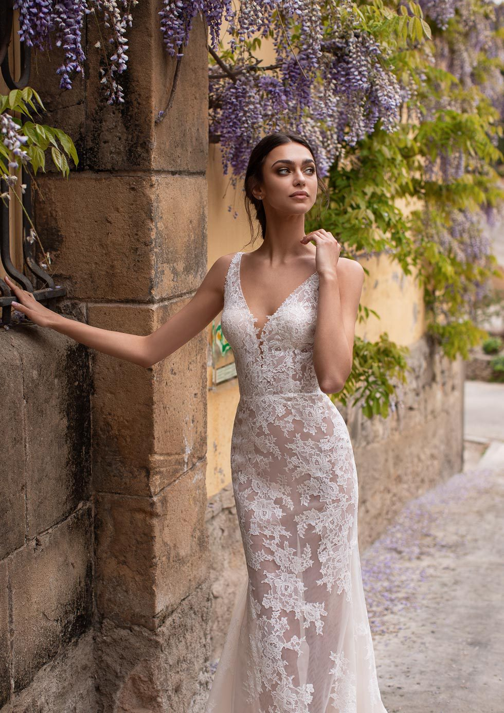 Brautkleid mit Spitze Tarvos Pronovias