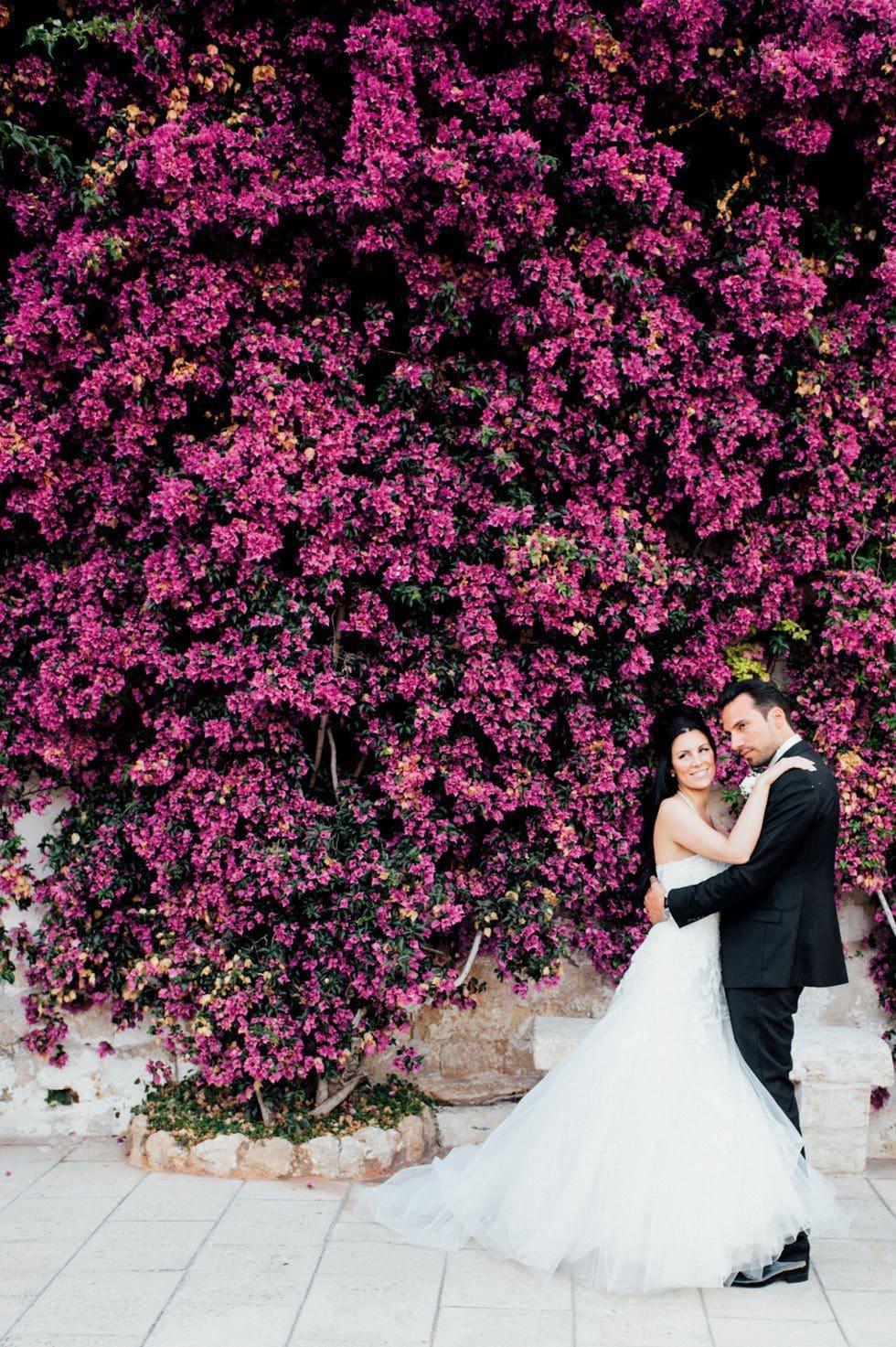 Hochzeitsfoto Brautpaar Blumen