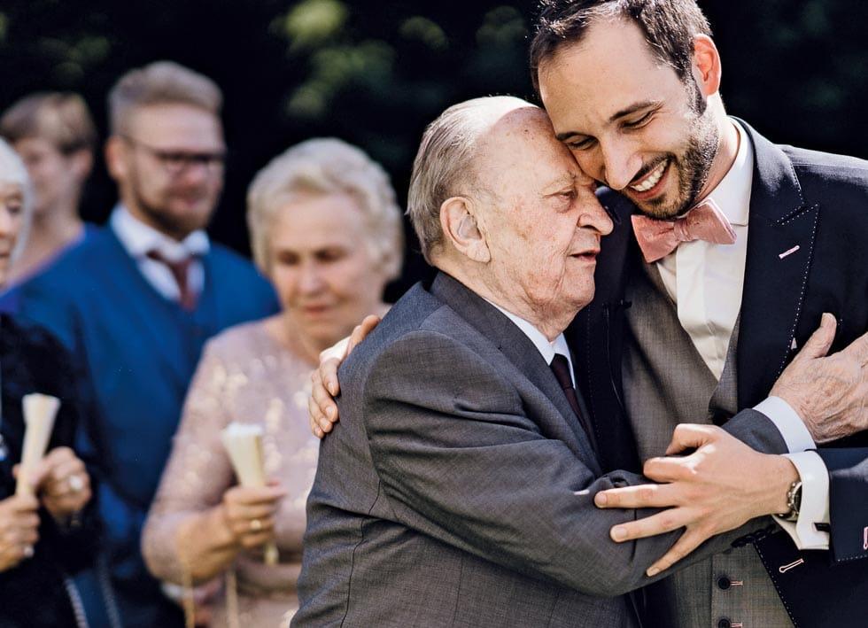 Hochzeitsfoto Bräutigam Großeltern