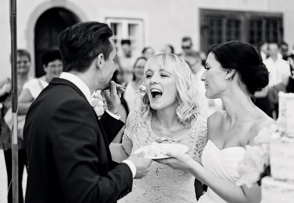 Hochzeitsfoto Brautpaar Hochzeitstorte
