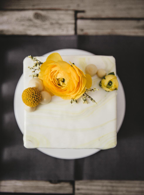 Tischdeko Blumenschmuck Gelb