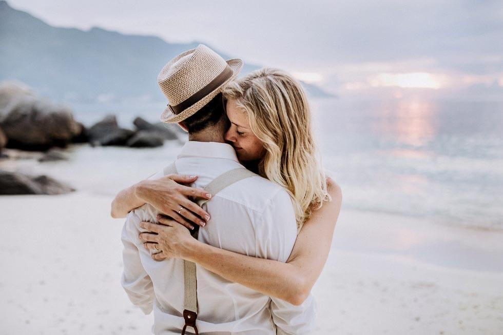 Hochzeit zu Hochzeit zu zweit am Strand