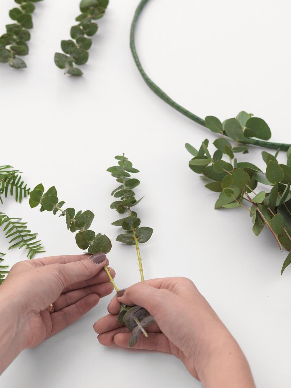 Willkommensschild Blumenkranz selber machen