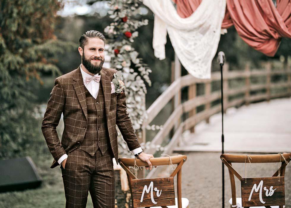 Bräutigam Hochzeitsanzug braun