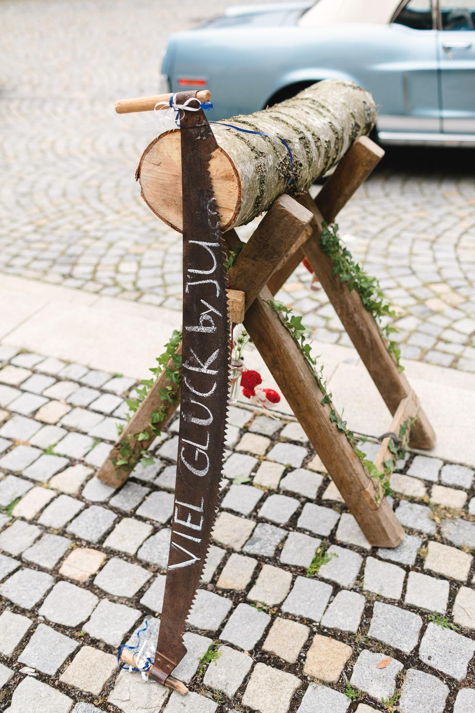 Baumstamm Sägen Hochzeit Deko