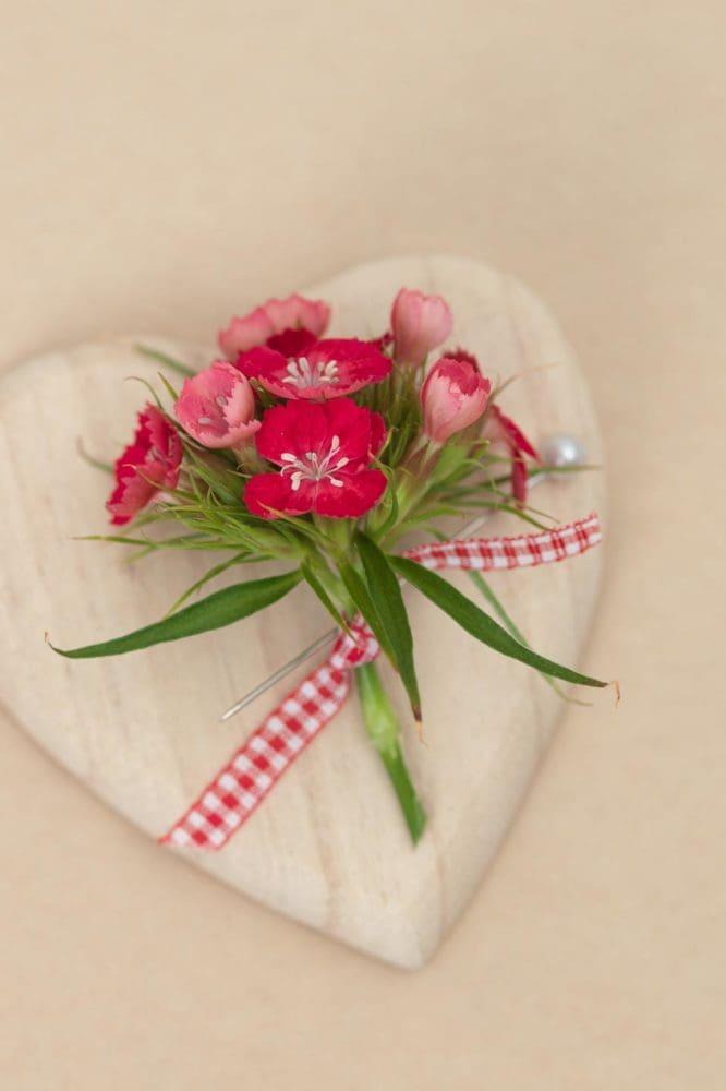 Anstecker Hochzeit Blume